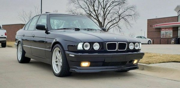 V8 Front Spoiler Splitter for stock BMW 5 E34 M5